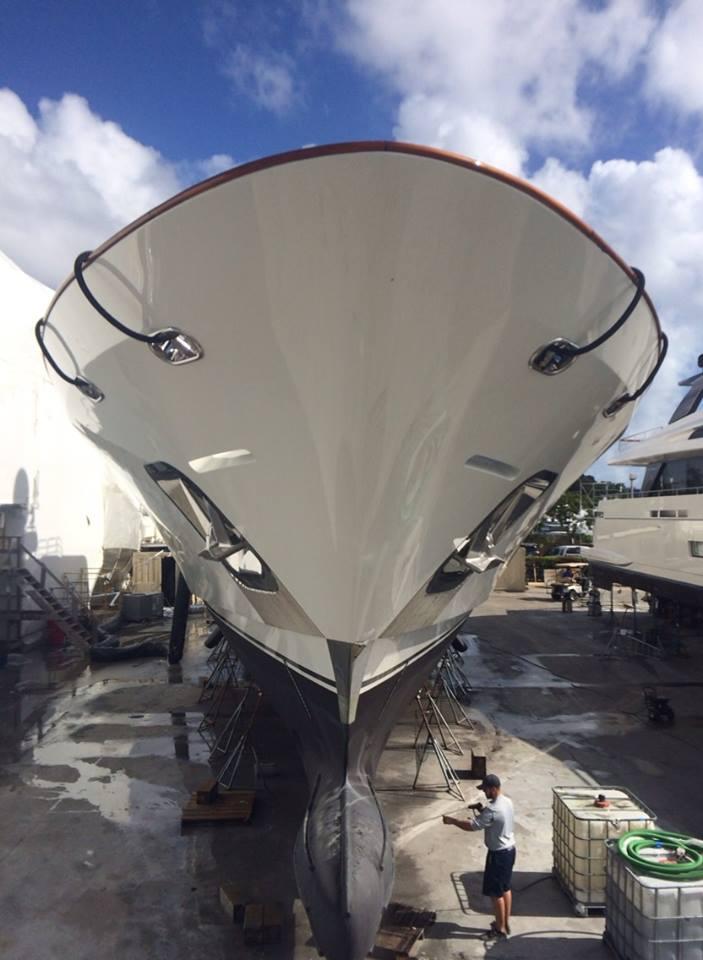 bottom-yacht-ceramic-coated