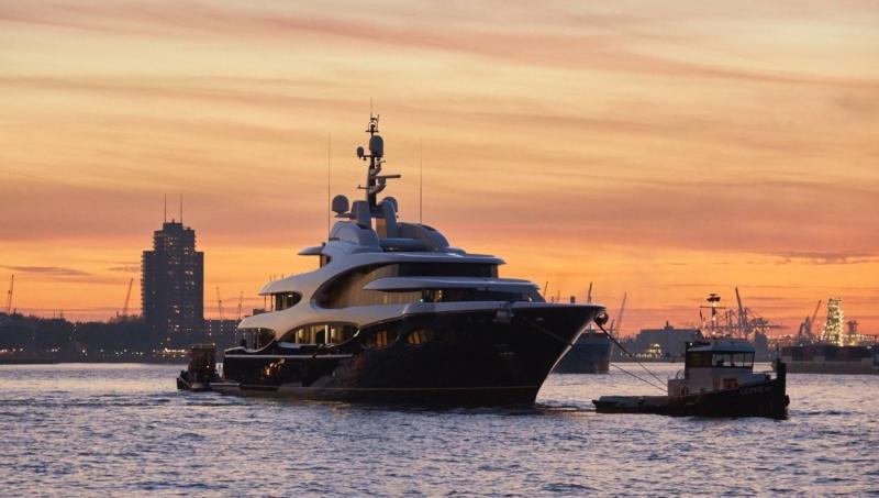 yacht-sunset